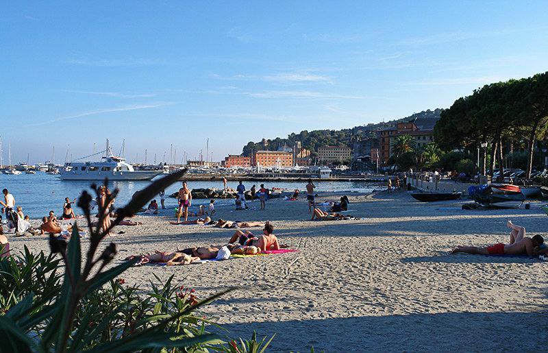 Une belle vue sur Santa Margherita Ligure et sa plage