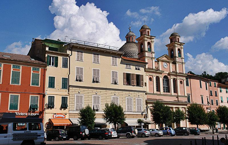 La charmante vieille ville de Varese Ligure