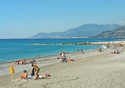 Beach à Vintimilie, Ligurie