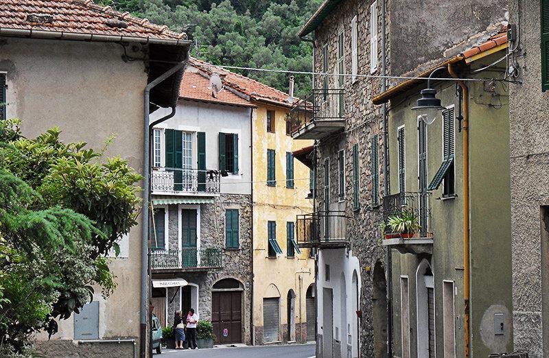 Une rue de Badalucco