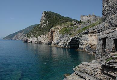 Visitez Portovenere en Ligurie et découvrez les merveilleuses baies et baignez-vous dans les secteurs côtiers