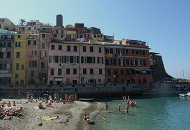 Les façades multicolores des maisons de Vernazza